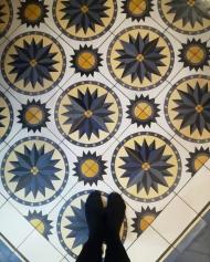 Цементная плитка Luxemix с узором солнце на полу