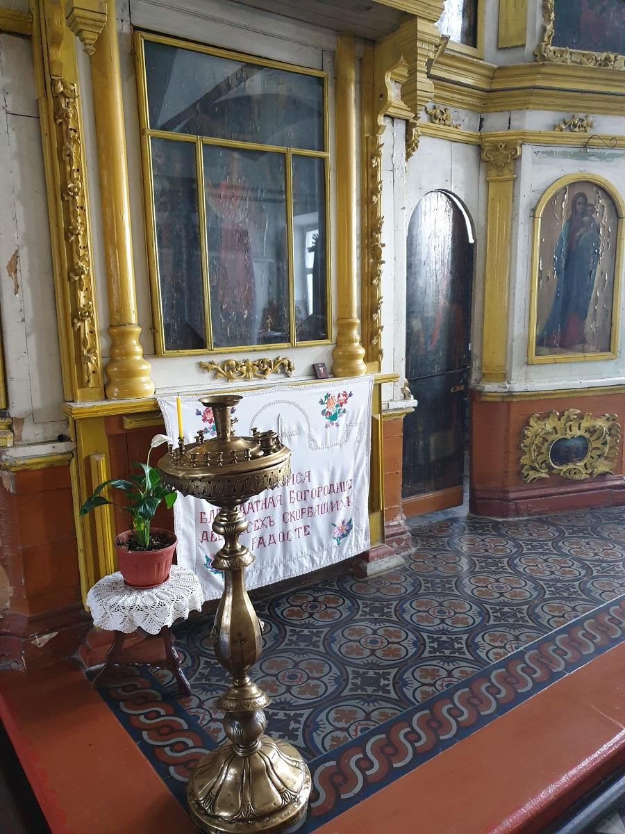 Фото интерьера храма Преображения Господня (с.Столпцы)