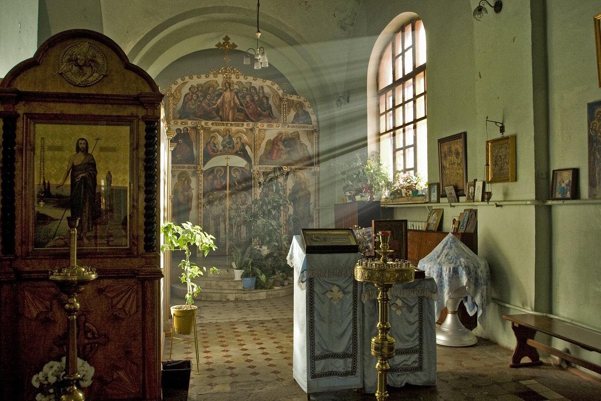 Фото интерьера храма Архангела Михаила (г.Самара) до реставрации