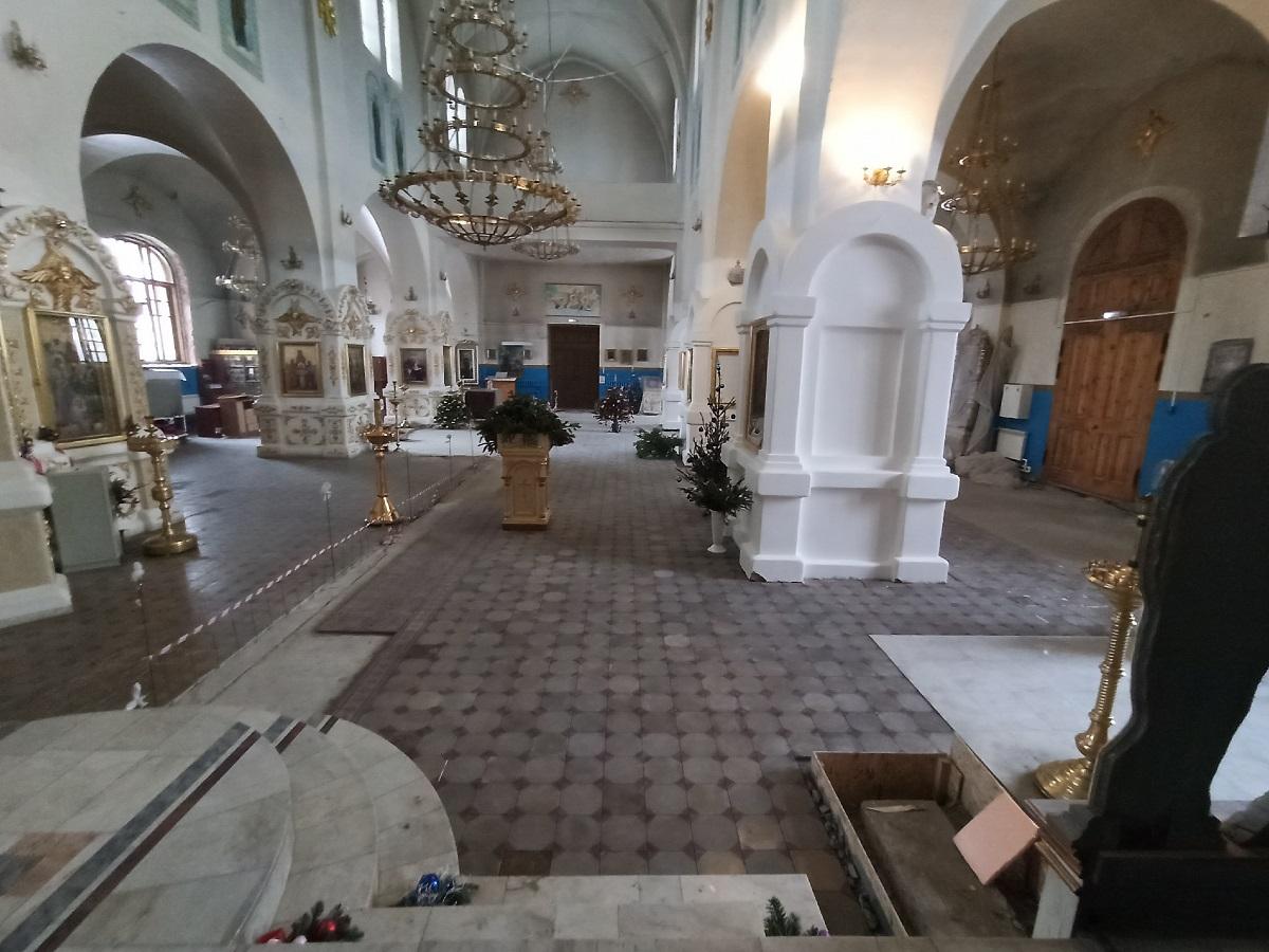 Процесс реставрации полов в храме Архангела Михаила (г. Самара)