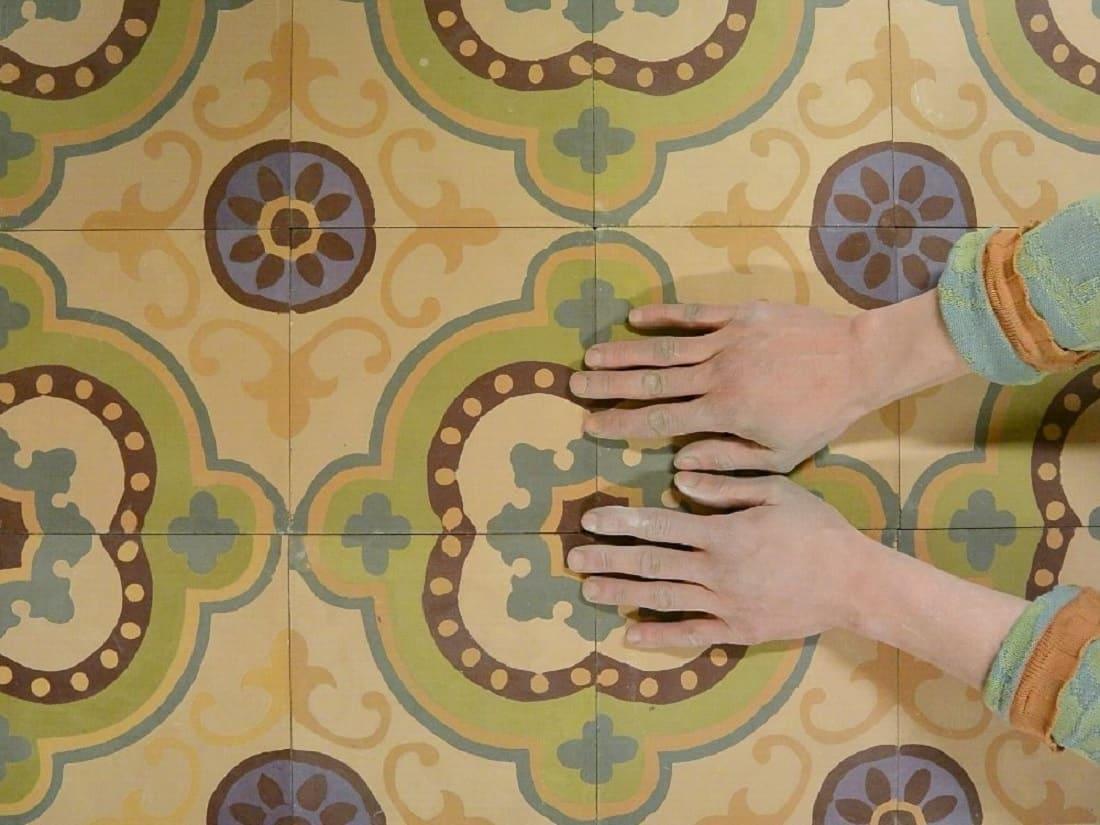 Квадратная цементная плитка с винтажным ковровым узором в пастельных цветах. Коллекция Vintage (vin_18_c2)